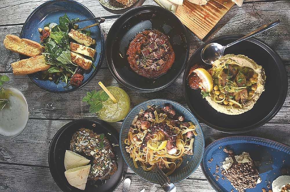 ↑菜單上的地中海美食,風味涵蓋了摩洛哥、埃及、以色列、希臘、西班牙、法國與義大利,廣泛且道地。圖/姚舜