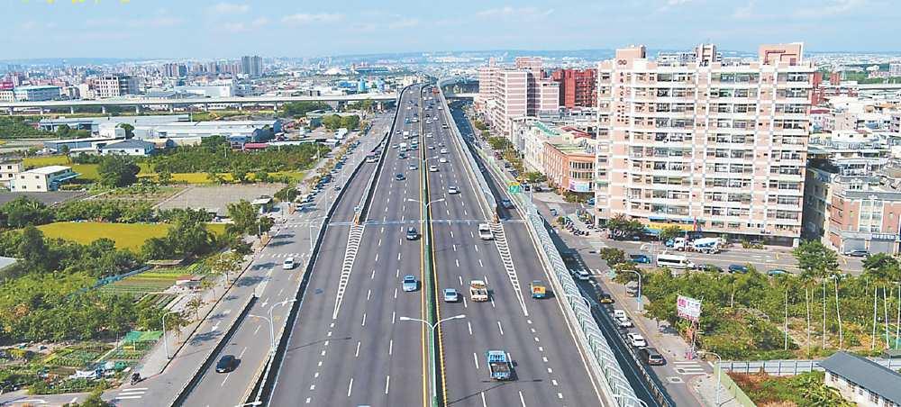 →潭子區藉由74號快速道路進出台中市區,交通相當便利。圖/業者提供